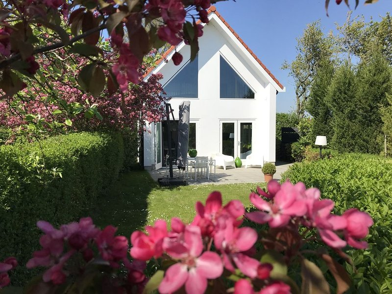You can even a cozy Christmas time have in the pheasant!, casa vacanza a Oostkapelle