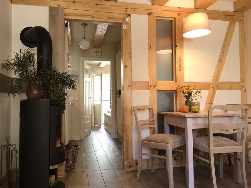 Urgemütliche Hafenkoje 1 mit Kamin u. hauseigener Sauna, holiday rental in Barth