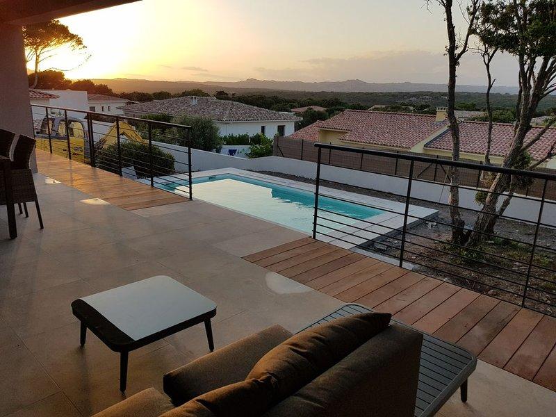 promotion du 01 au 08 août- Maison neuve  avec piscine chauffée, aluguéis de temporada em Bonifacio