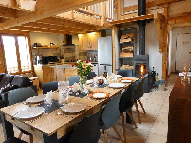 Gîte le Tapatoru, entre lac et montagnes proche Aix-les-Bains, casa vacanza a Montcel