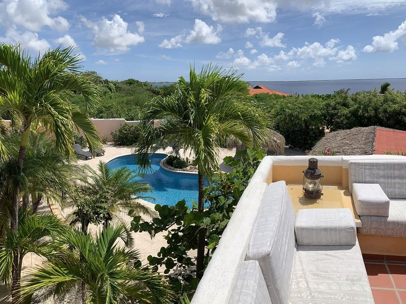 Ranger's Perch - Gorgeous Villa with Direct Sea Access, Pool, Views!, location de vacances à Bonaire