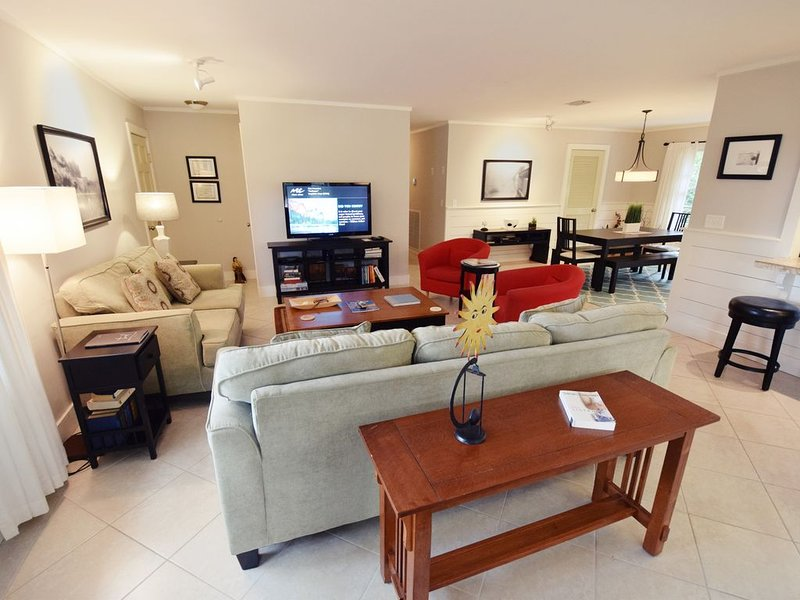East Beach Cottage.  Beautiful Interior.  Spectacular Location., vacation rental in Saint Simons Island