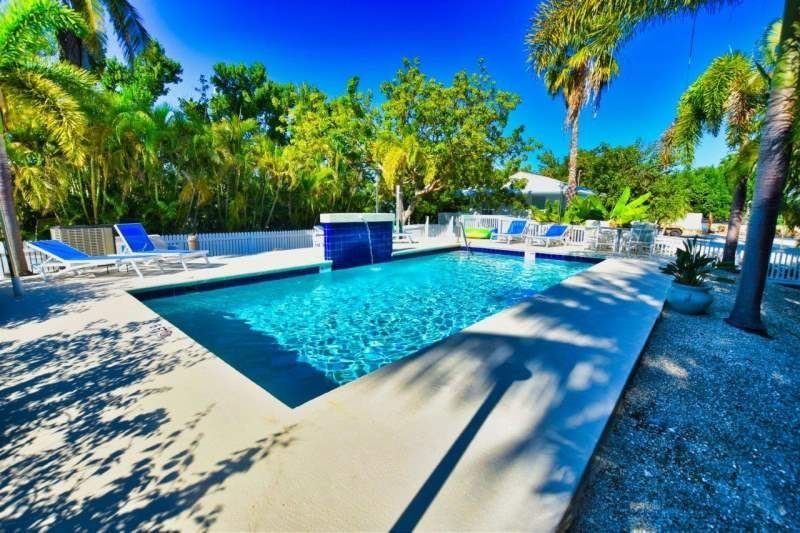 Family-Friendly Cottage at Shady Palms, Home in a Tropical Setting, location de vacances à Long Key