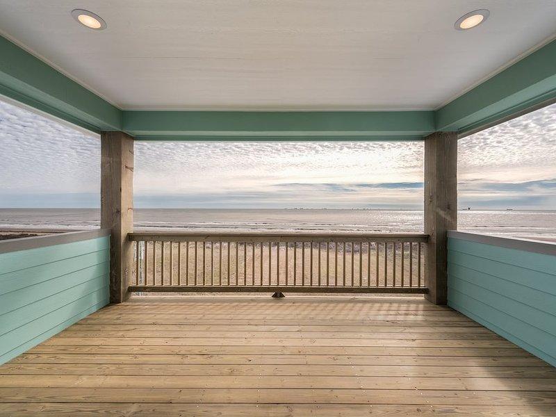 Breezy Point - Brand New with Full Ocean Views!, location de vacances à Crystal Beach