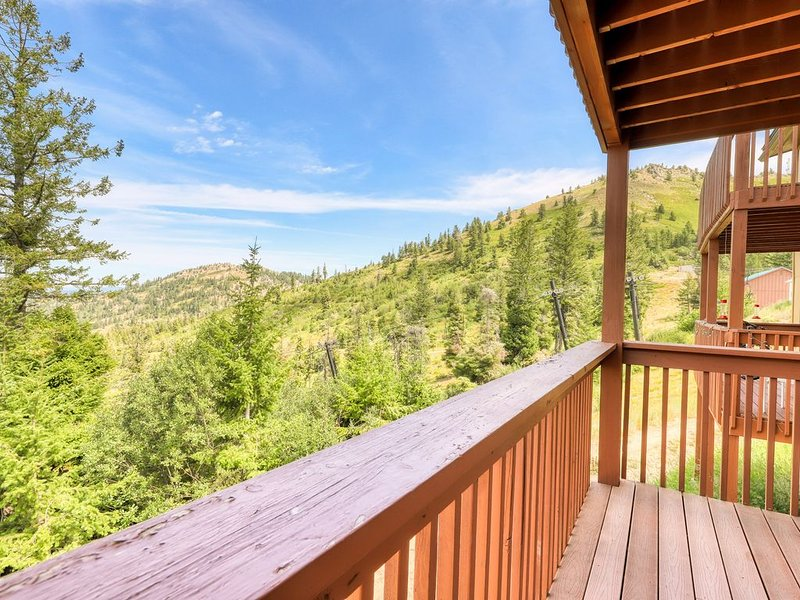 Cozy condo w/ shared hot tub & sauna, valley views, ski-in/ski-out access., holiday rental in Horseshoe Bend