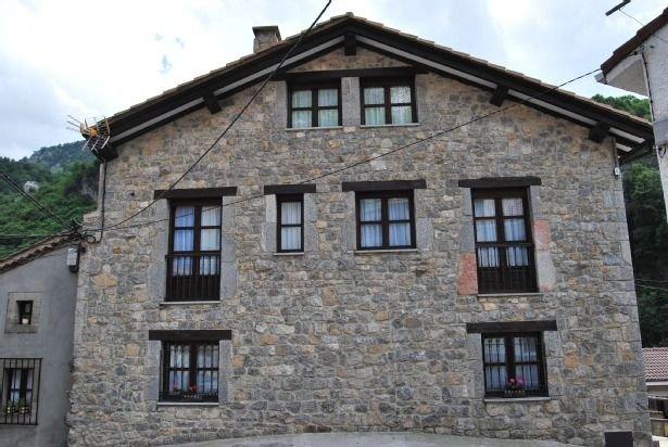 Casa rural (alquiler íntegro) El Colladín para 9-10 personas, holiday rental in Ojedo