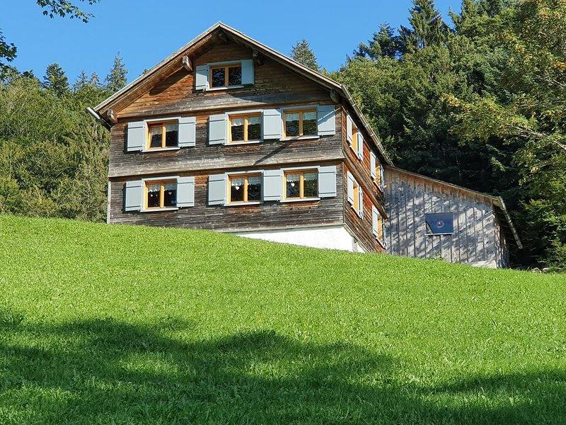 Ferienhaus in ruhiger und doch zentraler Lage, Ferienwohnung in Vorarlberg
