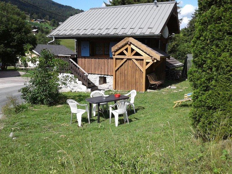 Chalet indépendant & atypique 4 pers. aux Gets à 1km des pistes, terrain 200m2, location de vacances à Les Gets