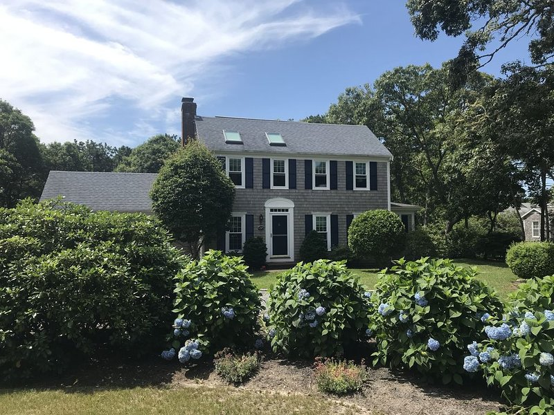 Immaculate Chathamport 3BR-3BA great outdoor space!, alquiler vacacional en Chatham