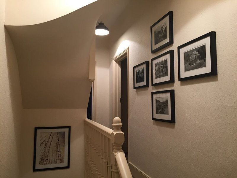 Lovely 2 bed - 2 bath  London Victorian Apartment with all modern conveniences, aluguéis de temporada em Beckenham