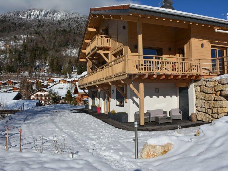 Bel appartement cosy à Verchaix  proche de Morillon et Samoëns au calme., holiday rental in Verchaix