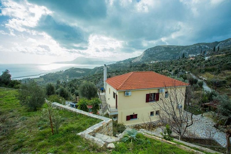 Suitable for families, holiday rental in Oxilithos
