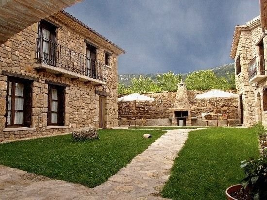 Casa Basilisa para 6 personas, vacation rental in Huesca