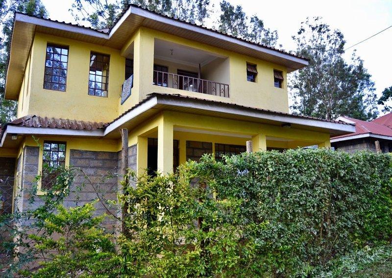 Countryside Villa -4BR with Unlimited WIFI&DSTV, vacation rental in Kiambu