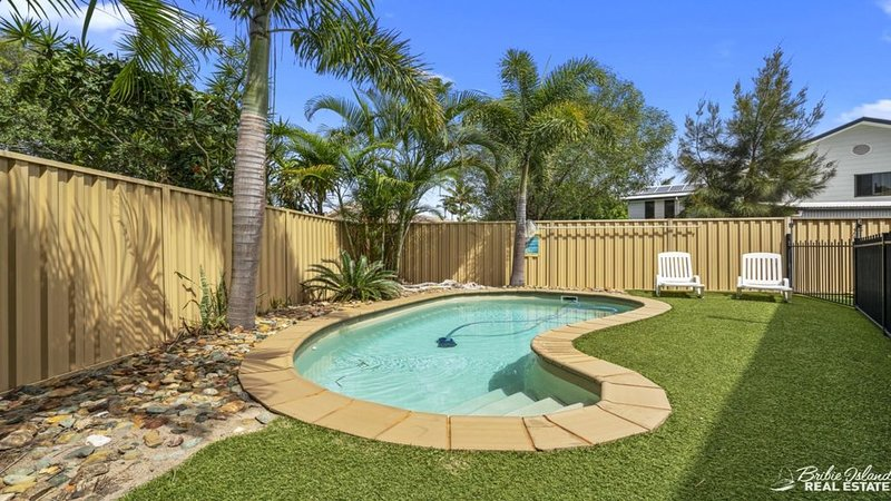 FAMILY FRIENDLY HOUSE WITH POOL & AIRCON, vacation rental in Moreton Bay Region