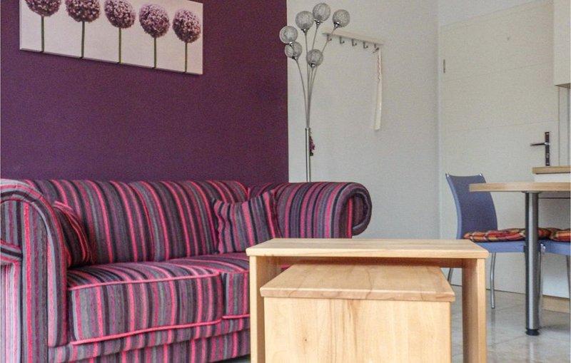 1 Zimmer Unterkunft in Warnemünde, holiday rental in Roggentin