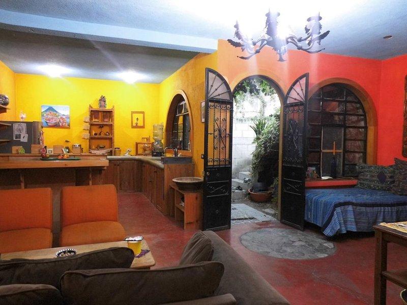 Casa Maya-Atitlán - In the heart of Panajachel in Lake Atitlan-, location de vacances à Lake Atitlan