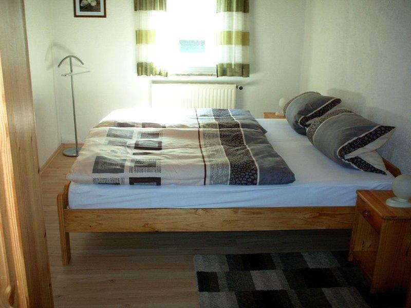 Moderne 60qm Ferienwohnung mit Gartenlaube, holiday rental in Kronach