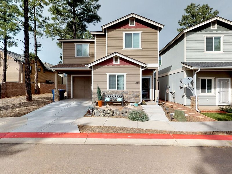Large, dog-friendly home w/ a private BBQ - close to NAU & downtown, holiday rental in Bellemont