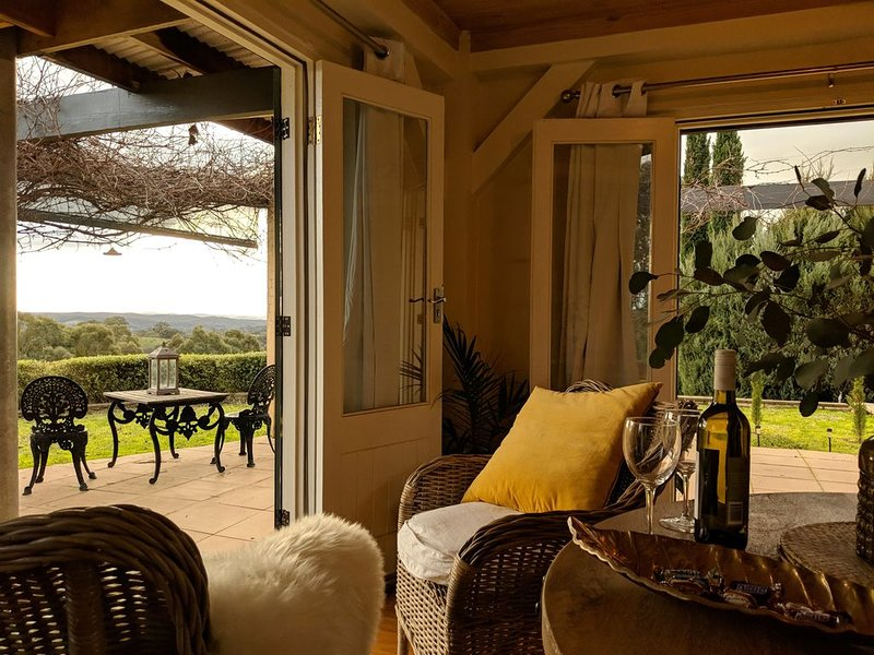 Romance with style and a view, holiday rental in Castlemaine