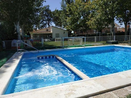 Casa rural (alquiler íntegro) El Jardin de los Niños para 14 personas, aluguéis de temporada em Sesena Nuevo