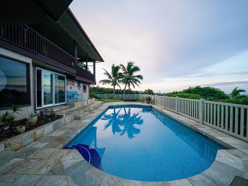 Rainbow Inn Aiea. Overlooking Pearl Harbor.  License # 90/BB0038, location de vacances à Waipahu