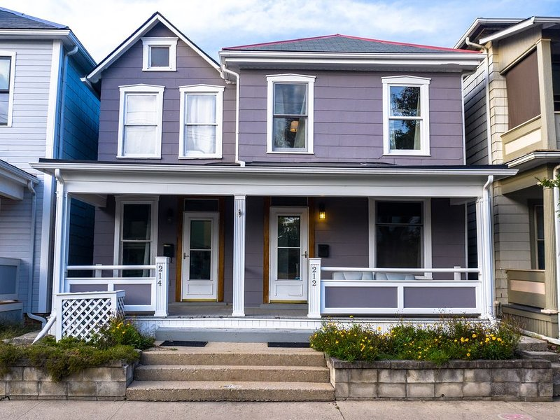 The Short North Spacious Modern Home, vacation rental in Columbus