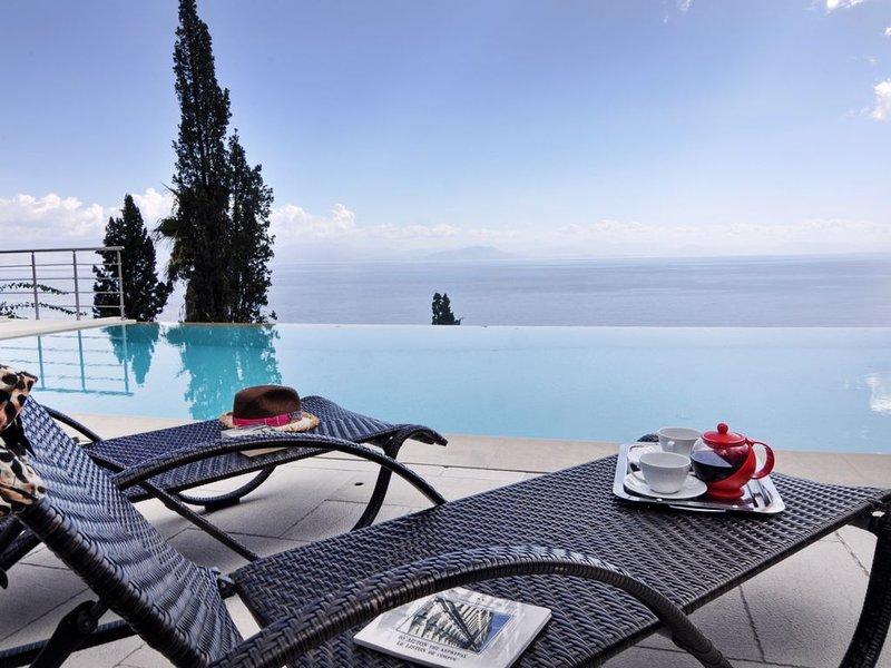 EDEM Villa II private pool sea-view, holiday rental in Achilleio