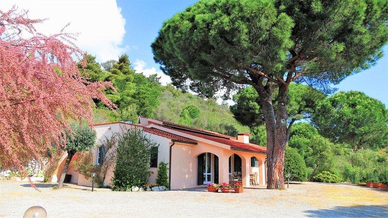 Villa Tosca con vista sul golfo di Marina di Campo, casa vacanza a San Piero in Campo