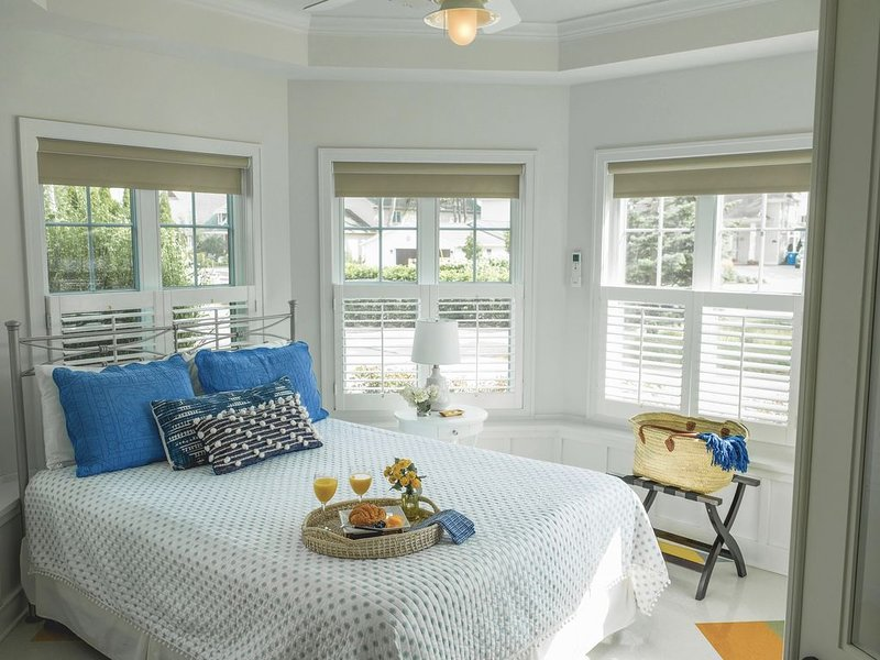 Stunning 5 bdr. sleeps 15, Heated pool, Free golf,Beaches, casa vacanza a Holland