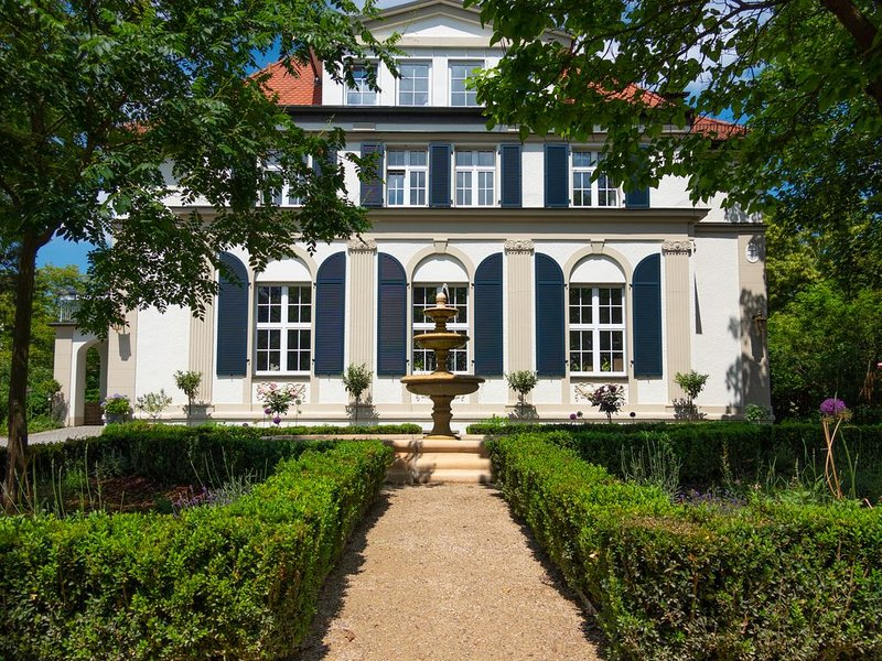Tolle FeWo in Villa direkt an der Dresdner Heide, holiday rental in Dresden