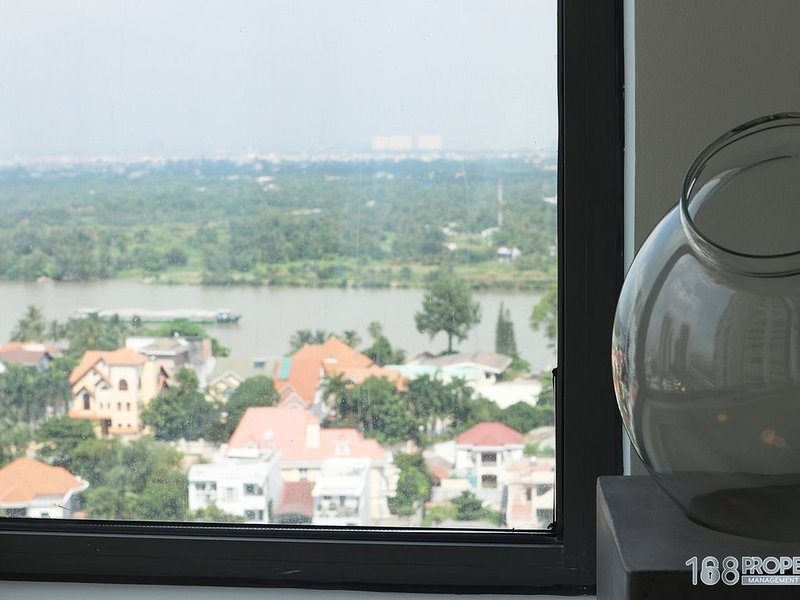 01 Bedroom Apartment Directly River view / Free Mineral pools, sauna, gym, BBQ, holiday rental in Bien Hoa