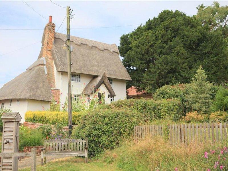 Priory Holme - Three Bedroom House, Sleeps 6, holiday rental in Polstead