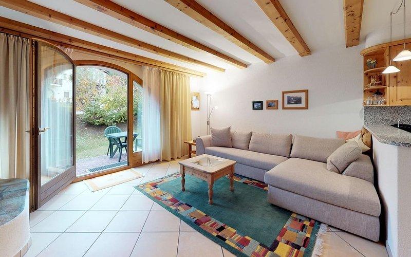 Bequeme Wohnlage unmittelbar an sämtlicher Infrastruktur, casa vacanza a La Punt-Chamues-ch