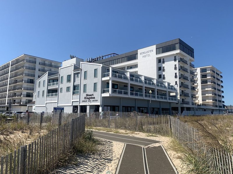 Ocean Dreams - Ocean Front Condo 4/Bed 3/Bath, alquiler de vacaciones en Rehoboth Beach