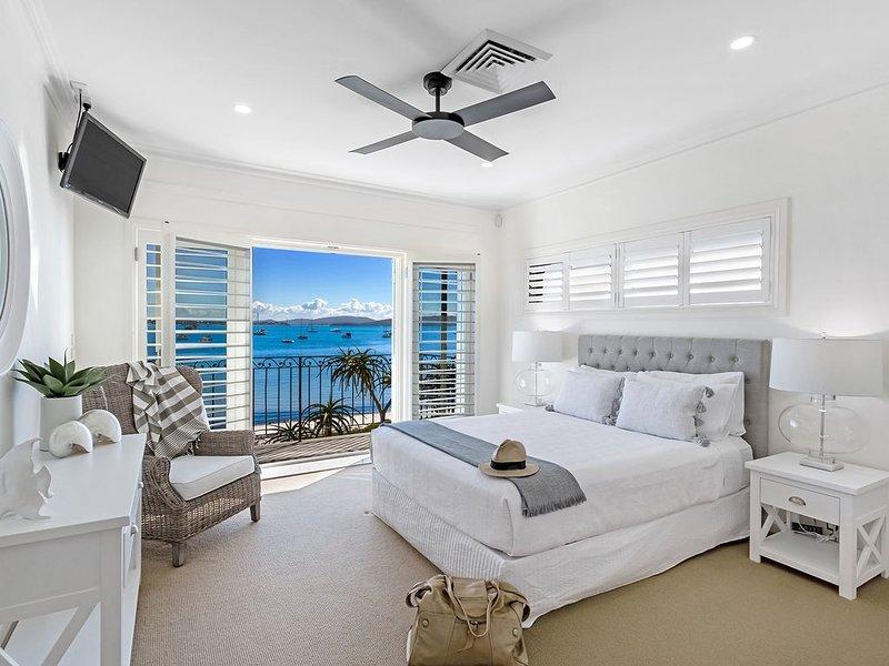 H3 PORT STEPHENS LUXURY WATERFRONT, holiday rental in Port Stephens