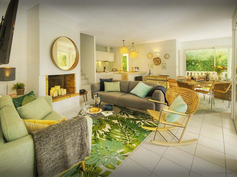 Villa avec piscine privée proche plages surf et lacs - OVO Network, vacation rental in Lacanau