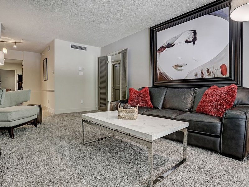 2306 Marquee Uptown - Two bedroom Two bath + Pool, casa vacanza a Valley Spring