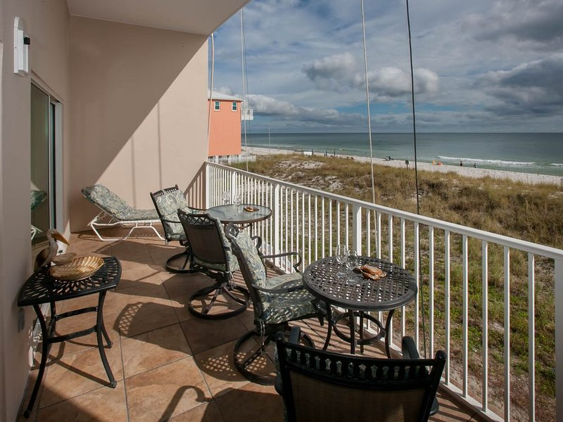 Waves Rolling In; Nightlife  Down The Street Prefect Location 15%Off April, holiday rental in Gulf Shores