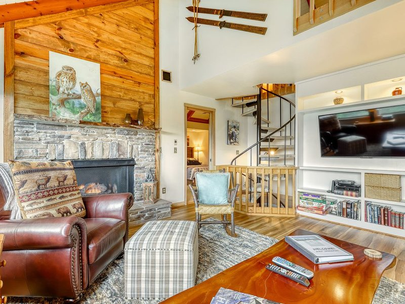 Updated viewpoint house w/2 covered porches & sleeping loft, holiday rental in Sugar Mountain