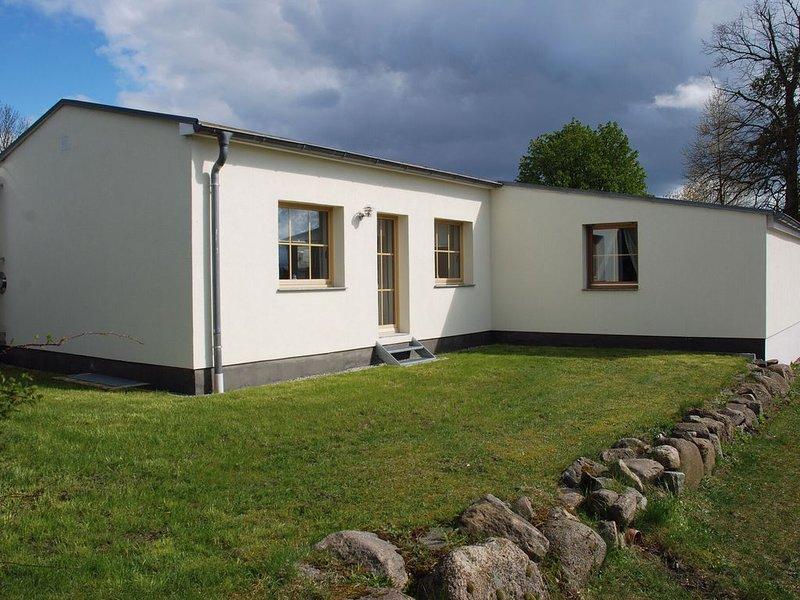 Spacious Holiday Home in Lüdersdorf with Sauna, holiday rental in Warin