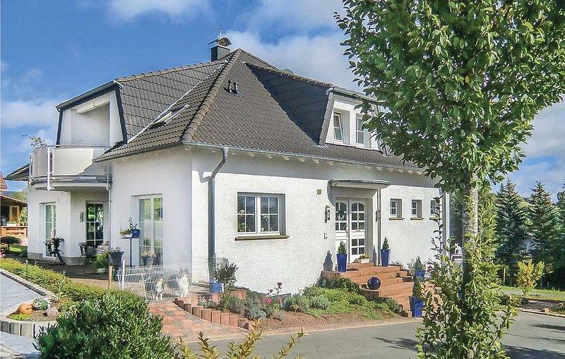 2 Zimmer Unterkunft in Lissendorf, holiday rental in Hillesheim