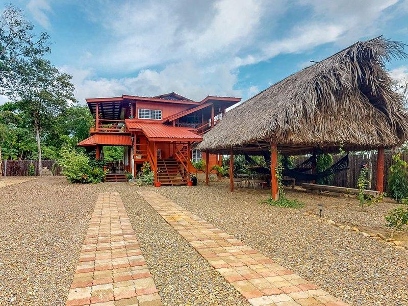 Wooden home w/ hammocks, BBQ area, enclosed yard, WiFi & AC - near town/beach!, holiday rental in Hopkins