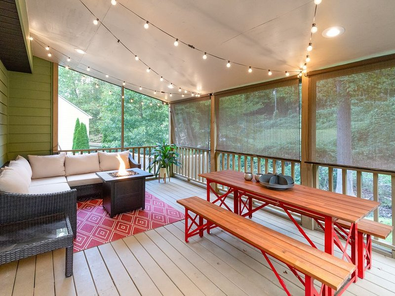 Family-friendly mountain home w/ firepit & Ping-Pong table - Dogs OK!, holiday rental in Webster