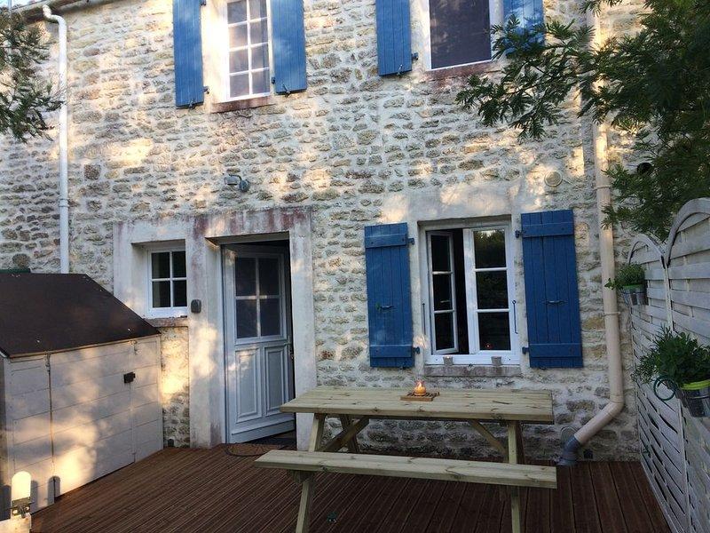 MAISON DE CHARME OLERONNAISE AU CALME, casa vacanza a Le Chateau d'Oleron