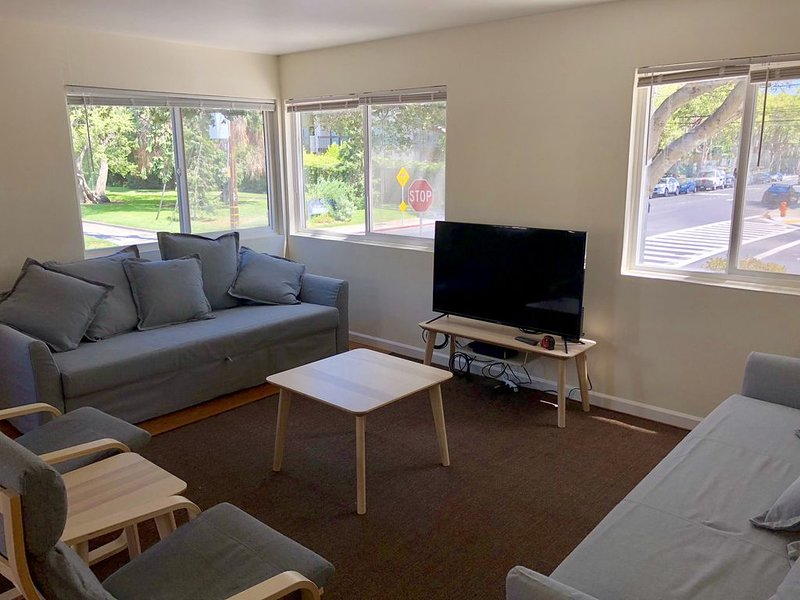 Central Park Downtown San Mateo 1br/1ba Parking, alquiler vacacional en Millbrae