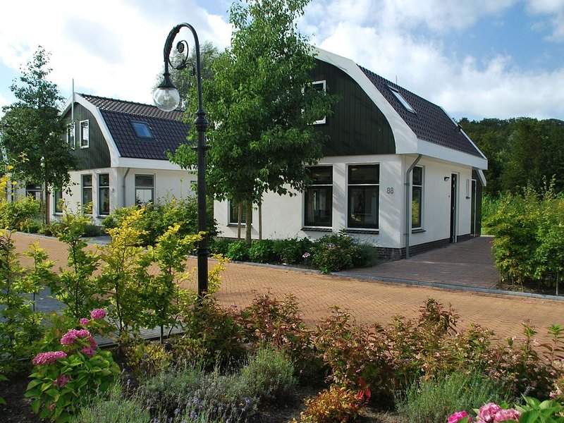 Nice holiday home with dishwasher, near the beach, holiday rental in Schoorl