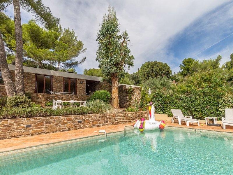 Les Eucalyptus - Villa with private pool in the exclusive Domain Gaou Bénat, location de vacances à Cap Benat