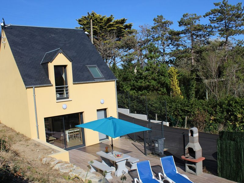 50 M de la PLAGE, maison neuve 3 chambres GRAND STANDING-PARKING et JARDIN privé, alquiler de vacaciones en Saint-Jean-de-la-Riviere