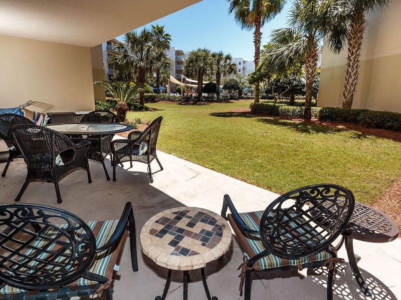 Waterscape/Ground floor walkout****3 bedroom plus bunk room, holiday rental in Fort Walton Beach